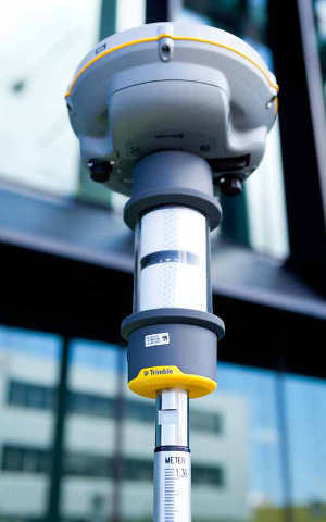 Trimble-R8s-AT360-application-urban